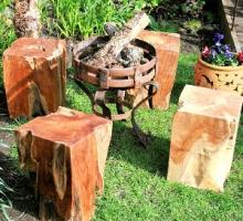 Wood-block-with-iron-brazier-72.jpg