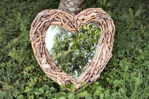 Driftwood Heart Mirror sml