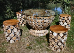 logs-table-with-glass